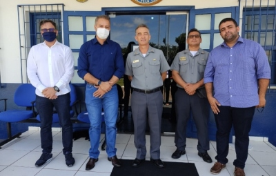 Prefeito Getúlio Dutra (PSB), vai à sede da Capitania Fluvial de Mato Grosso, em Cuiabá em busca de informações para o retorno da Balsa Fluvial