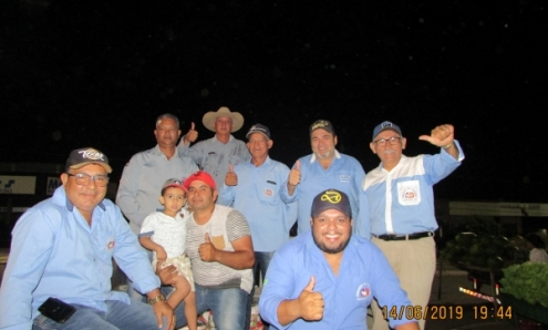 Comissão Amigos do Rodeio faz a entrega de 126 Cestas Básicas à pessoas carentes do município